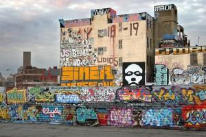 graffiti e stree art su un palazzo