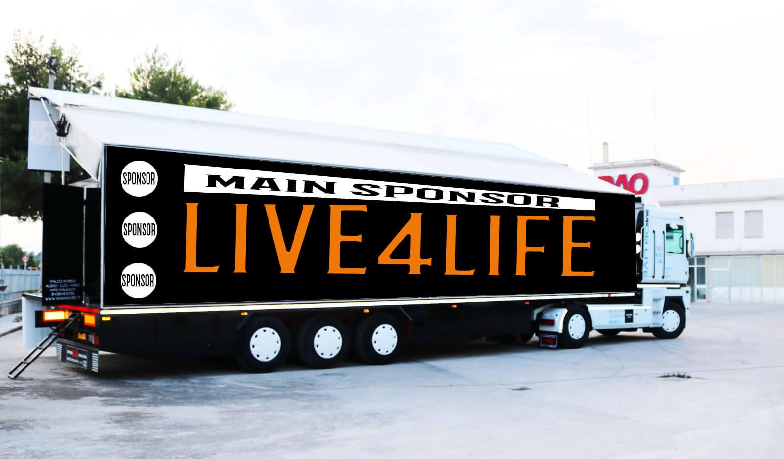 il truck con palco di Live4Life